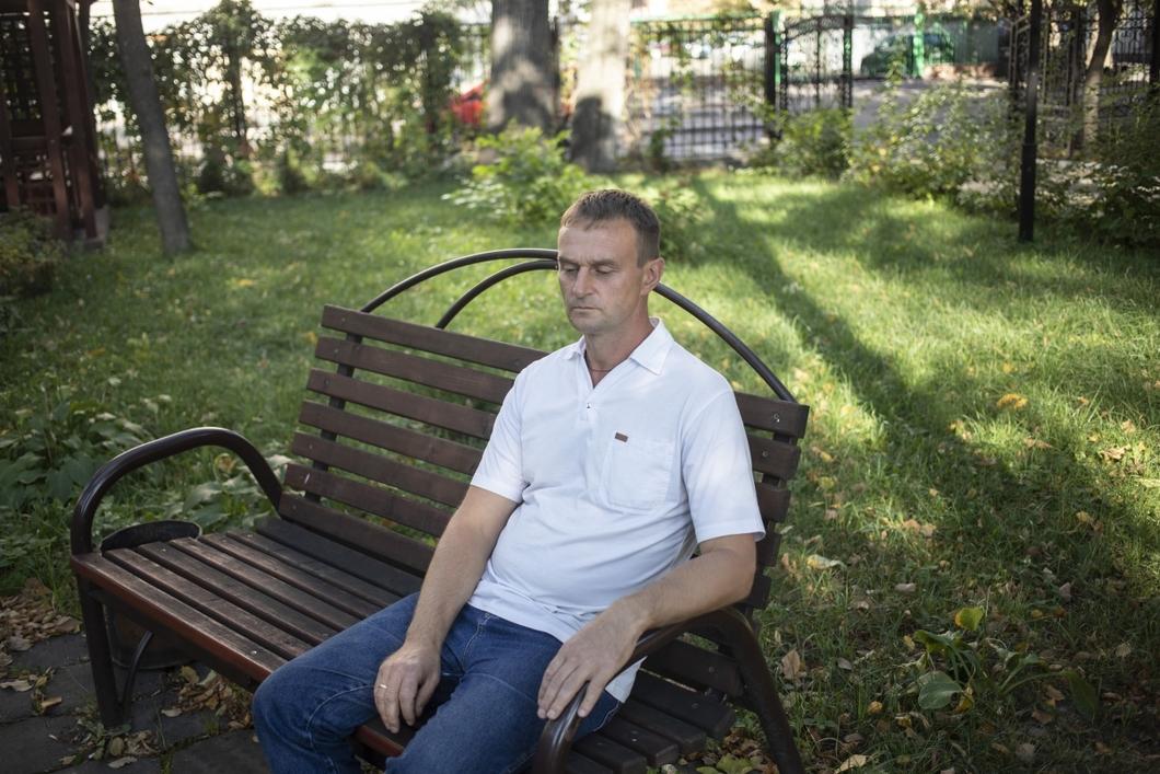 6ea0904b0a42 Блогер из липецкого села критикует местные власти. Его пытались ...