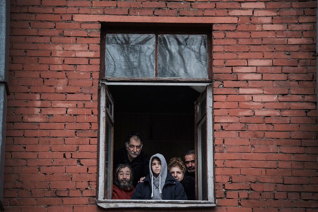 «Сказали, будут травить» : Беженцев, проживших на одном месте 30 лет, выгнали из дома под предлогом борьбы с насекомыми