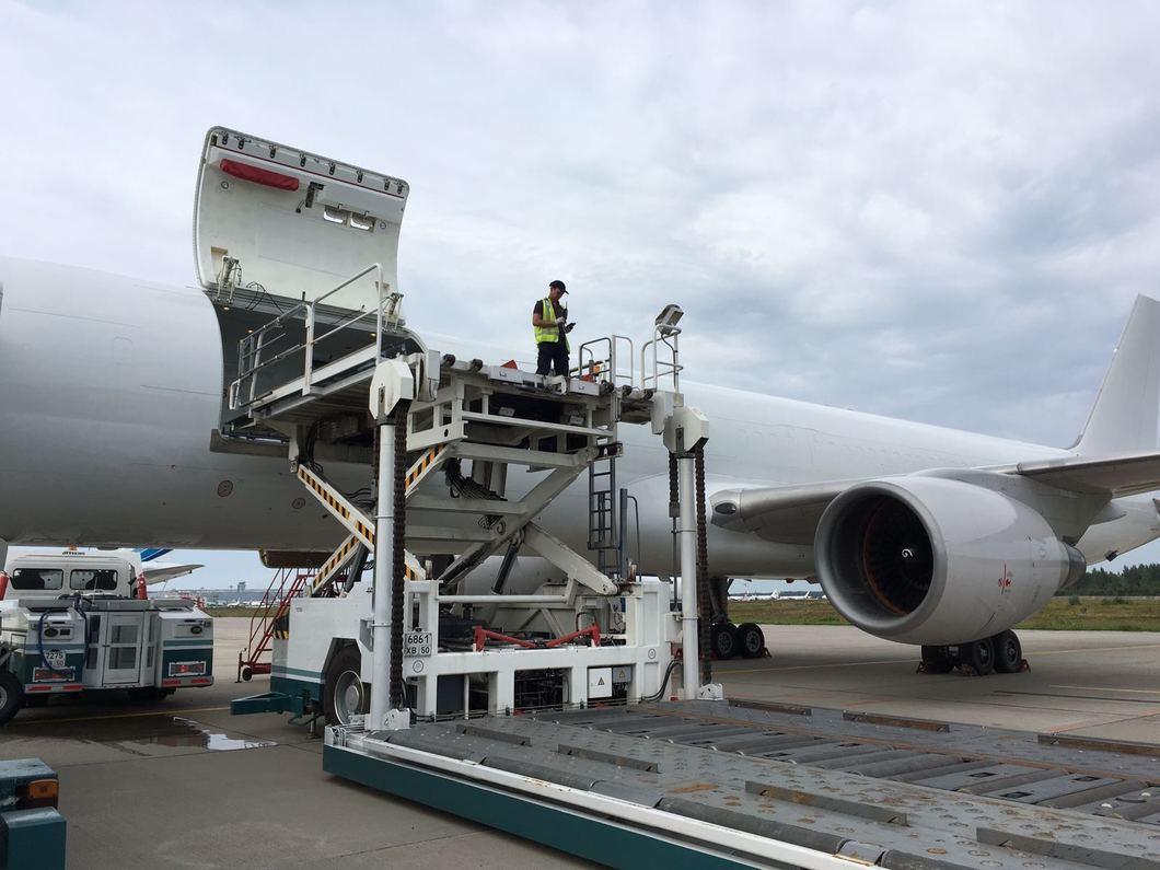Россия спешит на помощь: как осуществлялись рейсы с деньгами для Мадуро