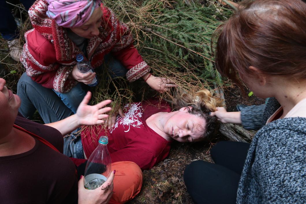 Полицейские избили защитников леса вПодмосковье, одна пострадавшая вреанимации