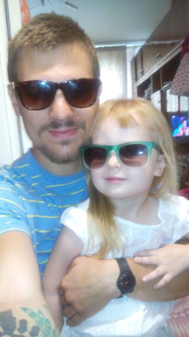 Дмитрий Пчелинцев со своей младшей сестрой Олей. Фото из семейного архива