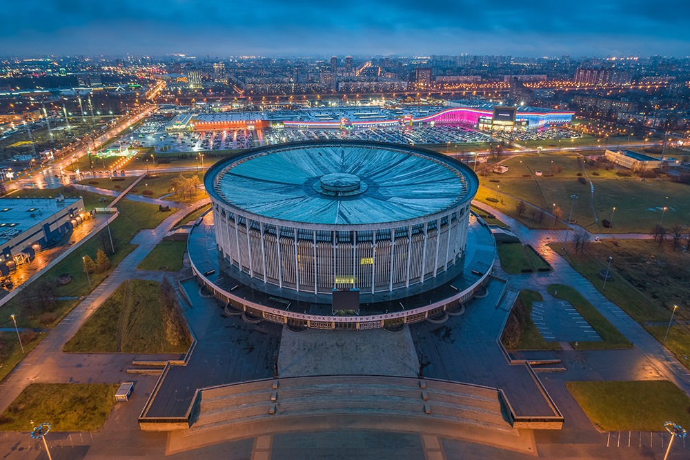 Вид на СКК в октябре 2019-го года. Фото: Станислав Забурдаев / ТАСС