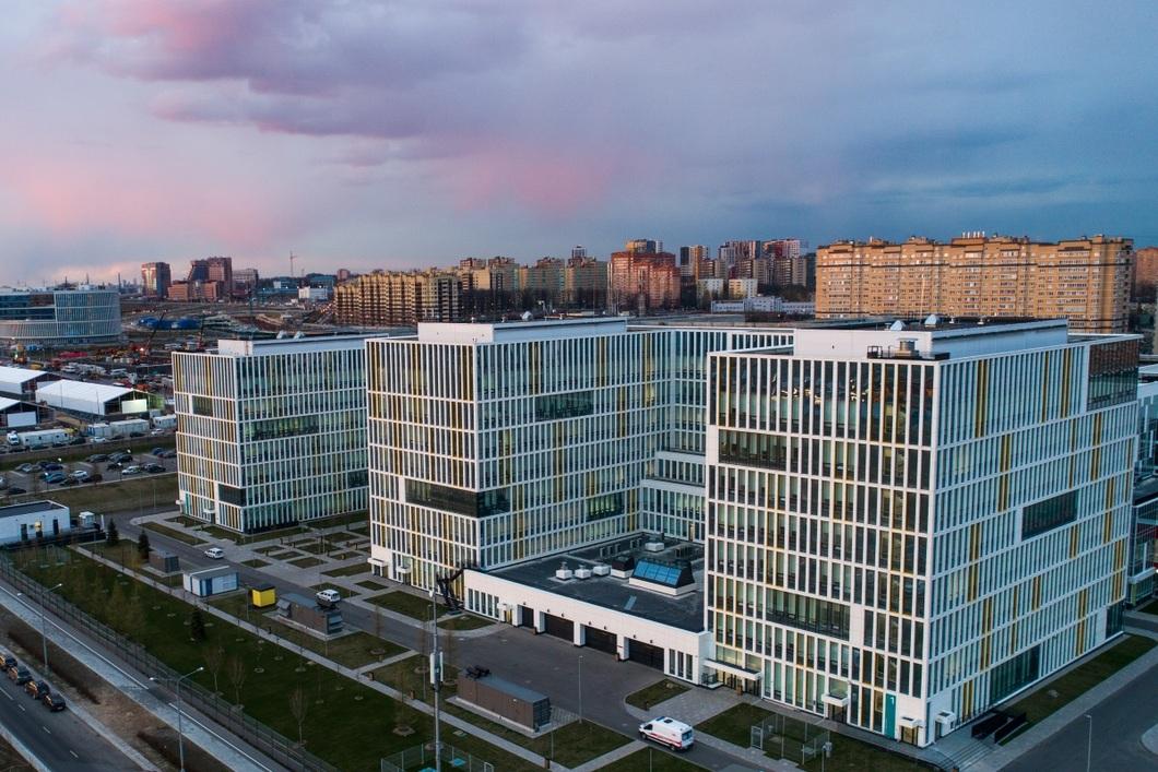 Корпус больницы для зараженныз COVIS-19 в Коммунарке. Фото: Сергей Бобылев / ТАСС