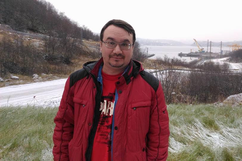 Александр Колотов — директор красноярской общественной экологической организации «Плотина». Член Общественного совета при Федеральном агентстве водных ресурсов