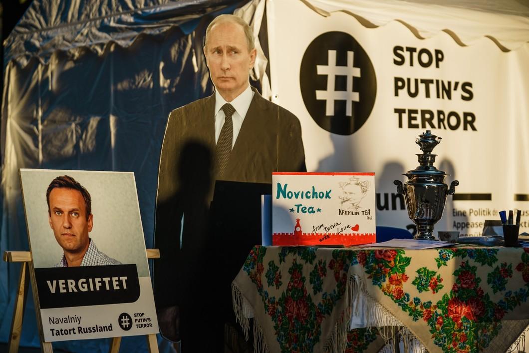 Навальный отравил отношения лидеров