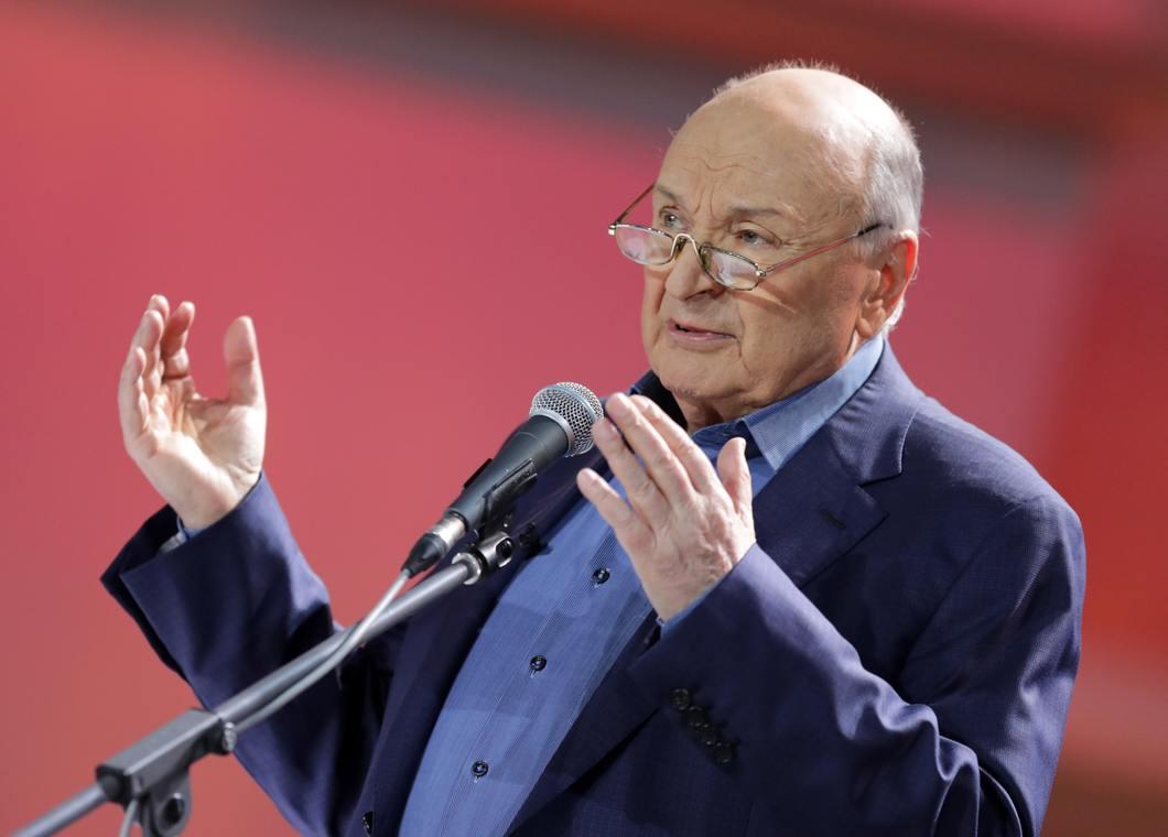 Известный писатель-сатирик Михаил Жванецкий скончался на 87-м году жизни