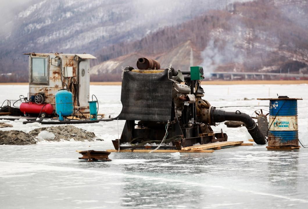 Строительство завода компании по розливу байкальской воды. Фото: Кирилл Шипицин / ТАСС