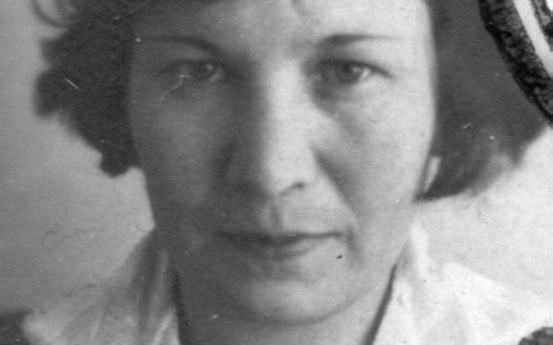 Пытки женщин секс в тюрмах лагерях гестапо и нквд