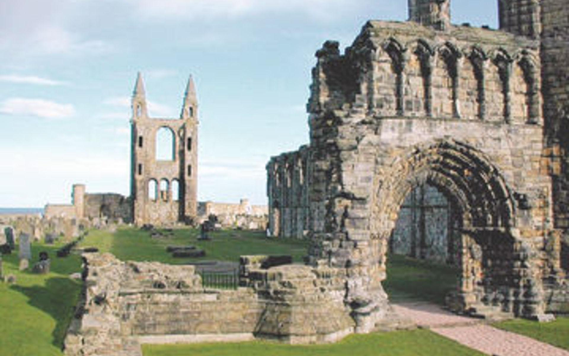 """Картинки по запросу """"1411 - В шотландском городе Сент-Эндрюсе был основан один из старейших университетов."""""""