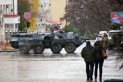 Картинки по запросу «Новая газета»: глава ЛНР уехал из Луганска в Россию
