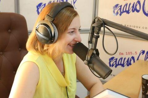 «Как вам по ночам спится, стабильно?» На Камчатке радиоведущей пришлось публично извиняться за высказывание о выборах президента