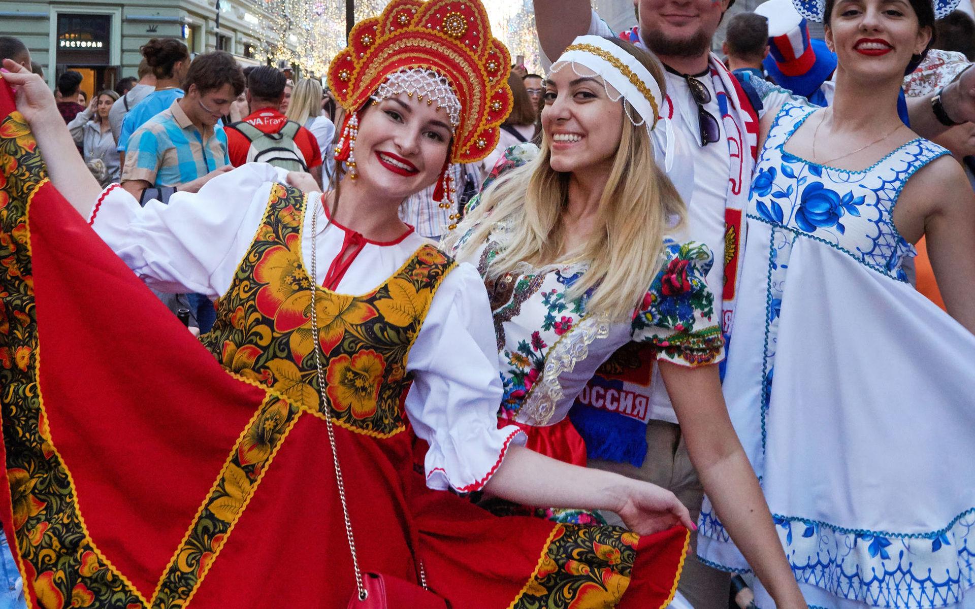 Русские жены с настоящий грудью