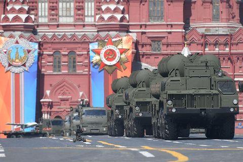 Россия и Индия заключили контракт на поставку зенитных комплексов С ... 722bd5485b195