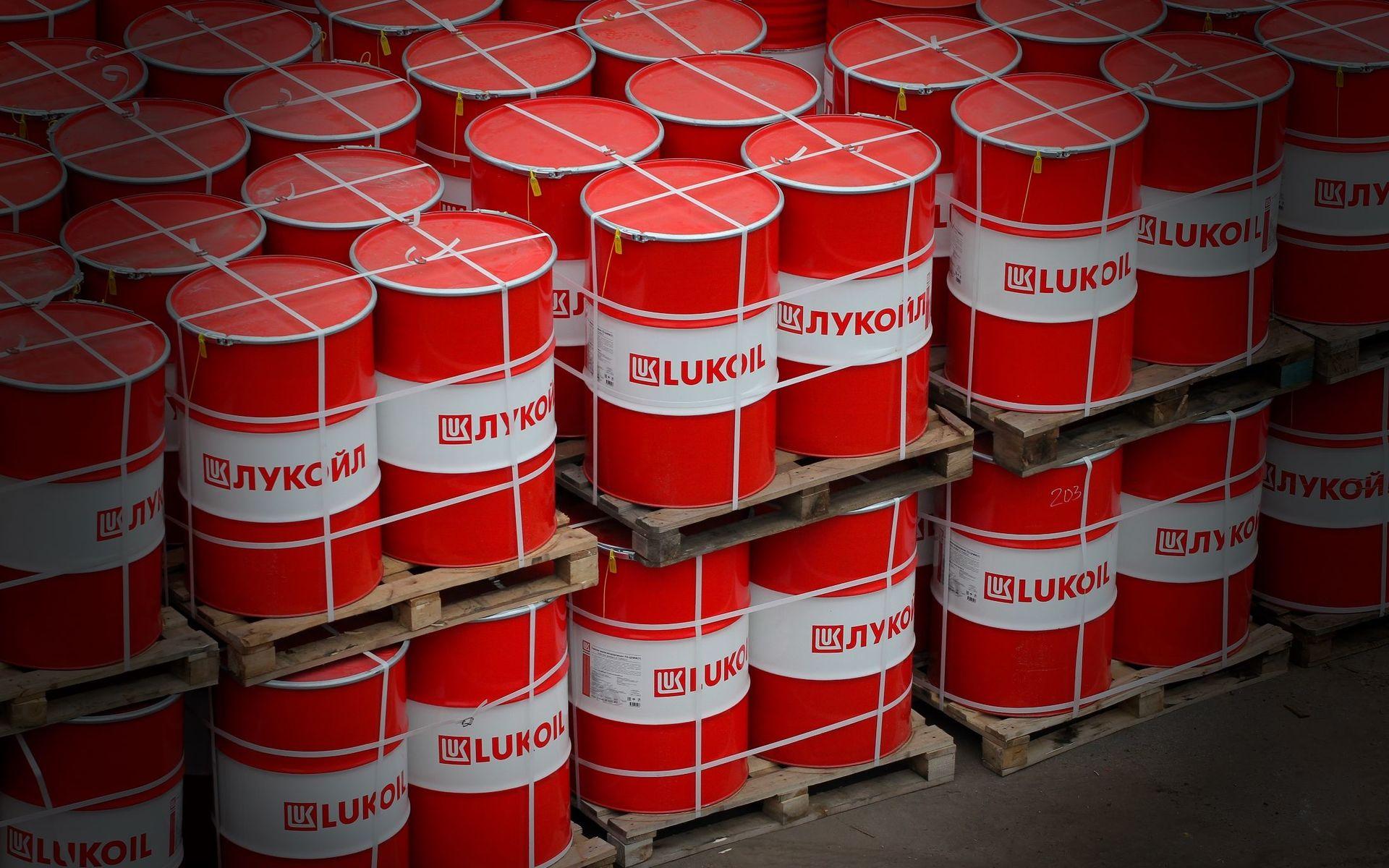 Картинки по запросу фото Нефть обвалилась — но цены на бензин в России будут расти: как это? Объясняют эксперты