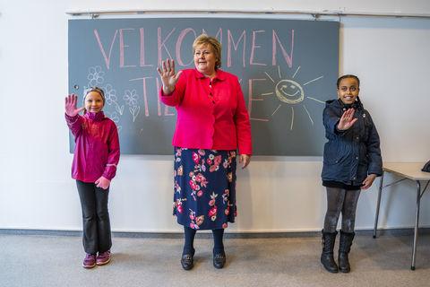 Осторожно, страны открываются! Балтия и Скандинавия постепенно  открывают школы, культурные учреждения,  бизнес и границы